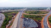 Đến thời điểm này, dự án cao tốc Trung Lương - Mỹ Thuận đã triển khai thi công 31/36 gói thầu xây lắp, hoàn thành 39/39 cây cầu trên tuyến chính