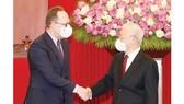 Tổng Bí thư Nguyễn Phú Trọng tiếp Đại sứ Liên bang Nga Gennady Bezdetko