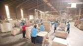 Ngăn chặn gian lận thương mại trong xuất khẩu gỗ