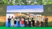 Lễ ký kết hợp tác với các đại lý phân phối chính thức tại công viên Mùa Xuân - khu đô thị Ecopark, Hưng Yên.