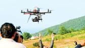 Việc cất cánh flycam phải tuân thủ quy định pháp luật