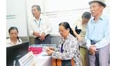Định cư nước ngoài có được hưởng lương hưu ở Việt Nam không?