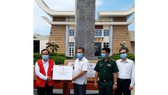 Tặng quà tại tỉnh Tây Ninh và các đơn vị nơi tuyến đầu phòng chống dịch Covid-19