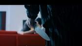 """Hình ảnh phản cảm trong MV """"Sao em nỡ vội"""". Ảnh cắt từ MV"""