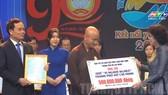 Giáo hội Phật giáo Việt Nam TPHCM ủng hộ 500 triệu đồng. Ảnh: www.hcmcpv.org.vn