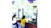 Người lao động nộp hồ sơ đề nghị hưởng trợ cấp thất nghiệp tại Trung tâm dịch vụ việc làm TPHCM
