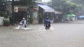 Không khí lạnh mạnh gây mưa to ở miền Trung