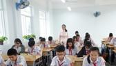 Giáo viên thi trình bày biện pháp nâng cao chất lượng giảng dạy