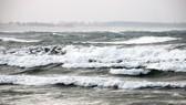 Ứng phó gió mạnh, sóng lớn trên Biển Đông