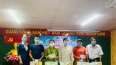 """Bệnh viện TP Thủ Đức tổ chức chương trình thường niên """"Tháng ba yêu thương"""" với các hoạt động thăm hỏi, tặng quà, cắt tóc miễn phí cho bệnh nhân nghèo. Ảnh: Bệnh viện TP Thủ Đức"""