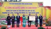 Lễ đón nhận quyết định xếp hạng Di tích quốc gia đền Xã Tắc (Quảng Ninh). Ảnh: TTXVN phát