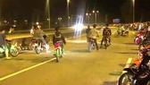 Xử phạt 27 đối tượng cổ vũ đua xe trái phép trên quốc lộ 51