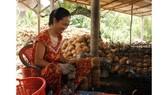 Làng Văn hóa du lịch Chợ Lách: Xây dựng cảnh quan đạt 40%