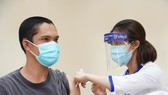 Đẩy nhanh tiến độ tiêm vaccine, xử lý nghiêm tiêu cực