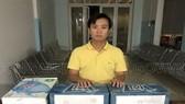 Đối tượng Trịnh Đình Hải và tang vật tại Cơ quan công an. Ảnh: Công an Đồng Nai