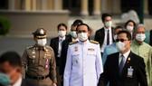 Thủ tướng Thái Lan Prayuth Chan-ocha (giữa) cùng các bộ trưởng trong nội các. Ảnh: REUTERS