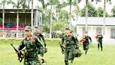 Đội tuyển QĐND Việt Nam cơ động ra vị trí thi bắn tỉa