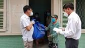 Bình Thạnh đưa 930 người dân tránh dịch trở về nhà