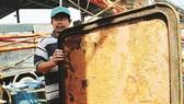 Tàu vỏ thép của ngư dân bị sét gỉ