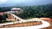 Khu du lịch sinh thái-tâm linh Tây Yên Tử giữa vùng rừng núi.
