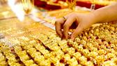 Giá vàng trong nước tăng mạnh, tiến sát mốc 56 triệu đồng/lượng