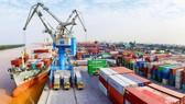Tính đến giữa tháng 2: Việt Nam xuất siêu gần 3 tỉ USD