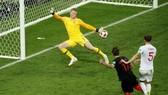 Mandzukic ấn định tỷ số 2-1 cho Croatia ở hiệp phụ.