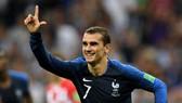 Antoine Griezmann ăn mừng chiến thắng.