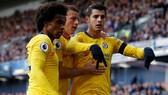 Không có Hazard, bộ ba Morata, Willian và Barkley đã ghi bàn