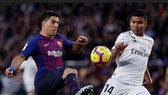 Luis Suarez (Barcelona) và  Casemiro (Real Madrid)