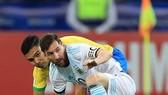 Casemiro nhận nhiệm vụ chăm sóc Messi