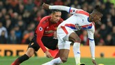 Wilfried Zaha sẽ khó quậy phá ở Pld Trafford