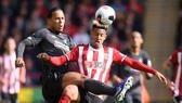 Sheffield United - Liverpool 0-1: Thủ thành Henderson tặng quà, Wijnaldum ghi điểm