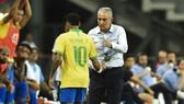 HLV Titte phải thay thế Neymar từ rất sớm