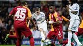 Pha ghi bàn của Toni Kroos vào lưới Galatasaray.