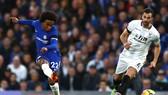Willian tỏa sáng trước Crystal Palace