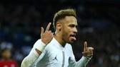 Neymar không chọn Ronaldo trong đội hình Dream Team