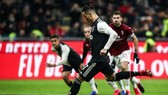 CHÍNH THỨC: Serie A sẽ chơi trong sân không khán giả trong 30 ngày tới