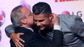 Chủ tịch Florentino Perez và Ronaldo
