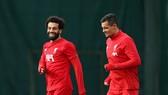 Salah vả Lovren luôn gắn bó trên sân tập