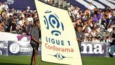 Ban tổ chức giải Ligue 1 phải vay tiền cho các CLB mượn