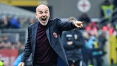 HLV Stefano Pioli xứng đáng được triển hạn.