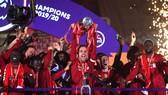 Liverpool tổ chức lễ đăng quang trên sân nhà rạng sáng nay