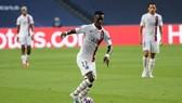 Chấn thương của tiền vệ  Idrissa Gueye làm PSG lo lắng