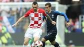 Marcelo Brozovic và Antoine Griezmann trong trận chung kết World Cup 2018