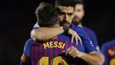 Suarez và Messi đều đau buồn ở Barcelona