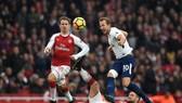 Harry Kane sẽ dẫn dắt Tottenham đối đầu Arsenal