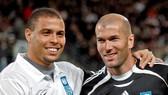 Ronaldo Nazario và Zinedine Zidanbe