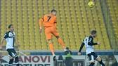Ronaldo đánh đầu ghi bàn từ đường chuyền của Morata