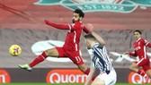 Mo Salah bỏ qua cơ hội ở hiệp đầu